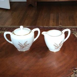Lenox Harvest R441 covered sugar and creamer set
